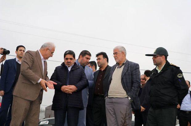 رئیس سازمان بنیاد مسکن از مناطق زلزله زده شفت دیدن کرد