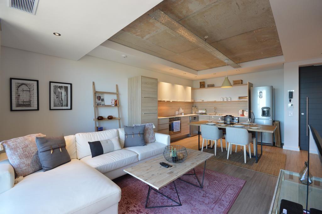 خرید و فروش آپارتمان در دفتر املاک رسمی ملکانا 1